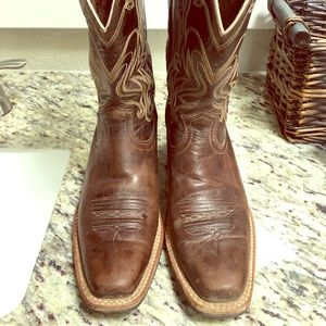 Artist brown leather boots